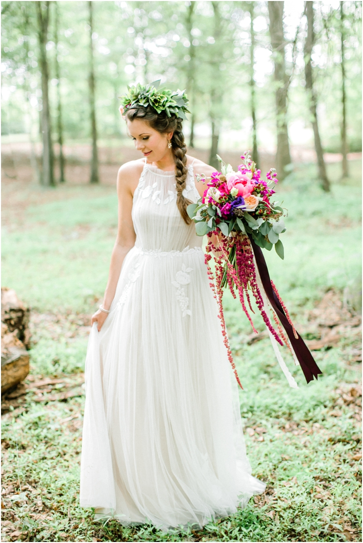 Woodsy Bridal Photo Inspiration