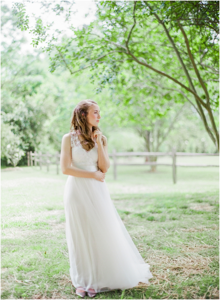 Natural Romantic Bridal photos Vinewood Plantation