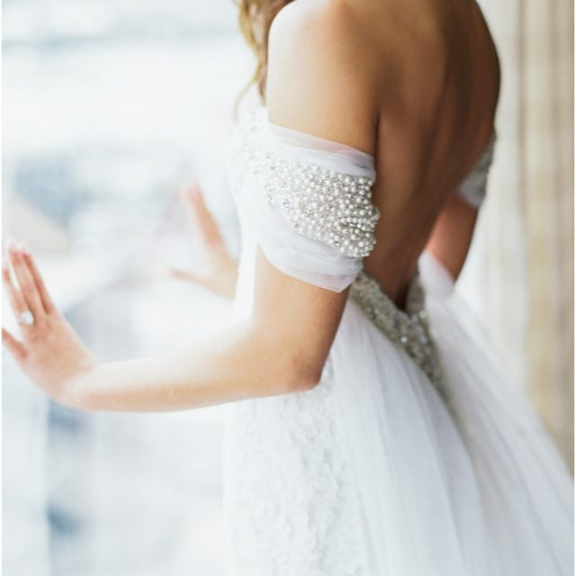 Off the shoulder Chiffon Wedding Gown