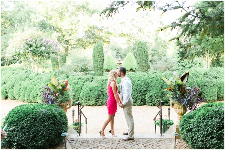Engagement Photos at Barnsley Gardens